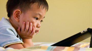Cảnh báo về tác hại của smartphone đối với trẻ em
