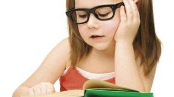 Dấu hiệu bị cận nhẹ sớm ở trẻ bạn không nên coi thường